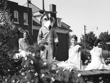 Float in 1963 Homecoming Parade