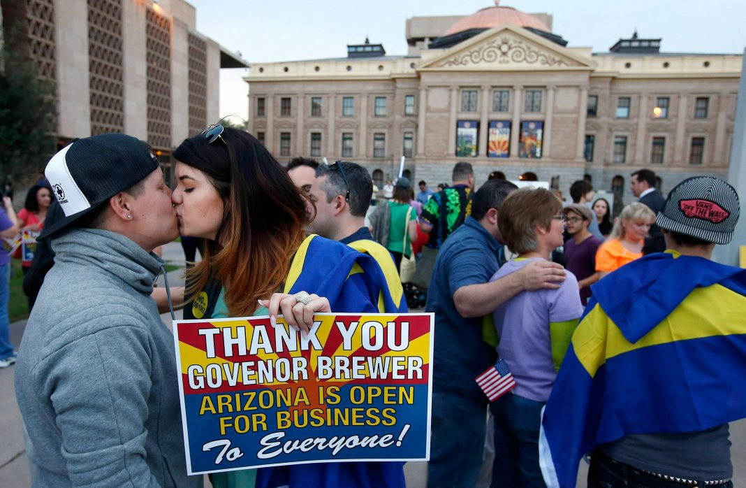 Cheers To Governor Jan Brewer >> Arizona State Governor Vetoes Controversial Anti-Gay Bill - BUnow - Bloomsburg