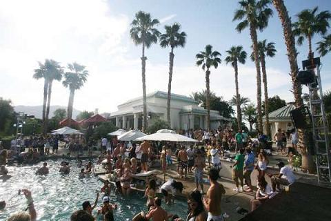 An inside look at one of the parties Coachella has to offer (photo from www.latimes.com)