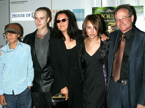 Robin Williams and family/ photo from www.eonline.com/ Jim Spellman/ WireImage