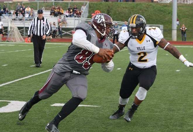 Tight End Aaron Allison (85) ended the first half on a high note for the Huskies, as he caught a 14-yard touchdown pass from quarterback Tim Kelly. (Bloomsburg University Sports Information)