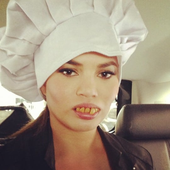 Chrissy-Teigen-got-silly-kitchen