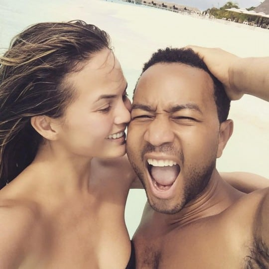 chrissy-teigen-john-legend-vacation-maldives