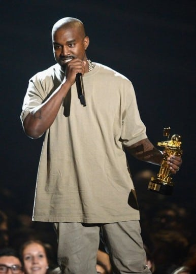 kanye-west-live-on-stage-at-the-mtv-vmas-2015-1441005735-custom-0